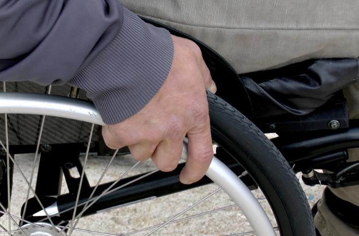 Plattformlift Rollstuhl: Investieren Sie in den geeigneten Plattformlift für Ihr Haus