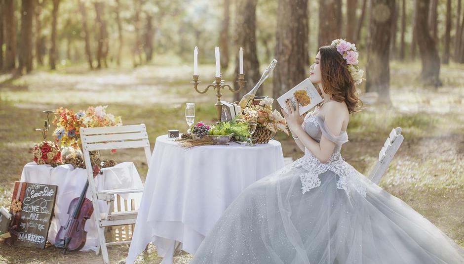 Hochzeit im Garten auf dem Erlebnisbauernhof Sprikeltrix